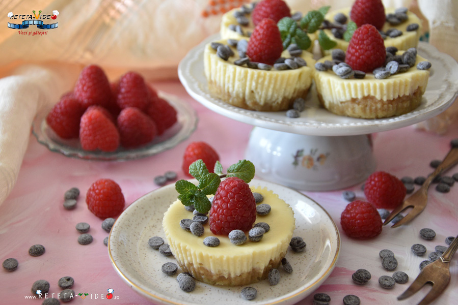Mini Cheesecake la Cuptor